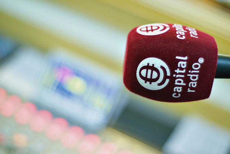 Entrevista a Carlos Molina en Capital Radio. 50pro