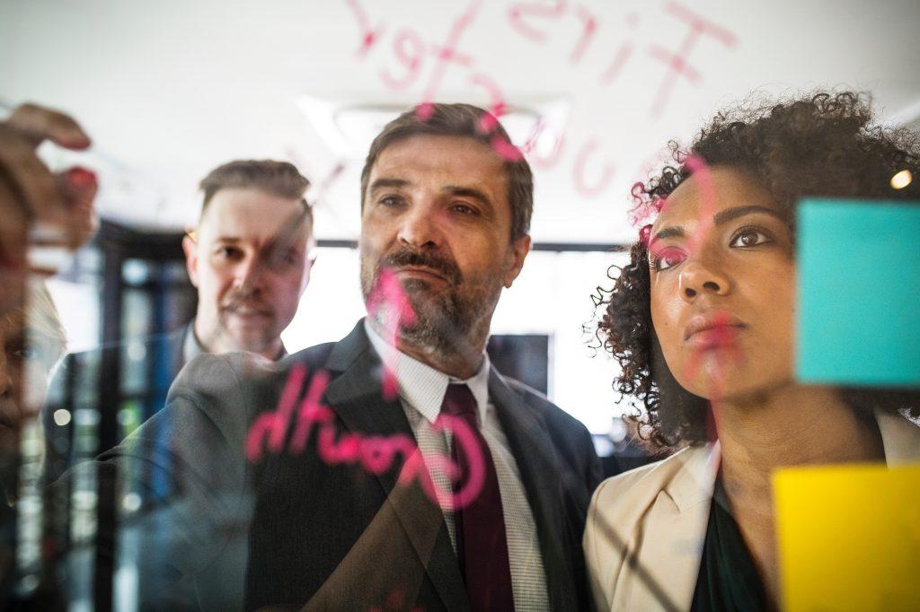 profesional-senior-programa-emprendimiento-50-pro
